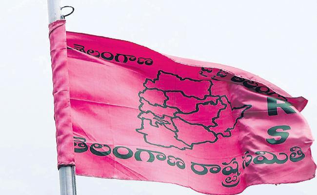 హుజూర్ నగర్ లో టీఆర్ఎస్ కు షాక్