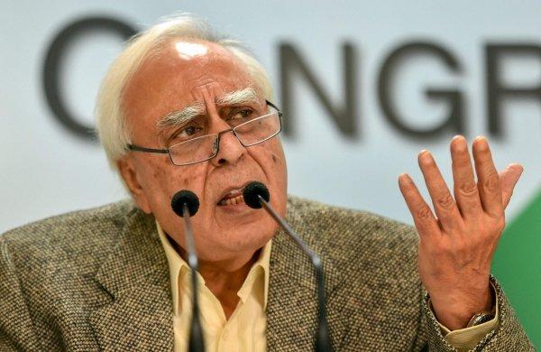కాంగ్రెస్ పై కపిల్ సిబాల్ సంచలన వ్యాఖ్యలు
